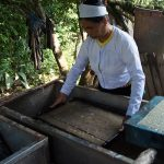 VN_NW_August2016_Traditional-paper-making-workshop-HoaBinh