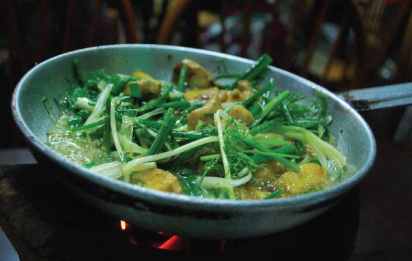 Hanoi Fried Fish with Turmeric and Dill (Chả Cá Lã Vọng)
